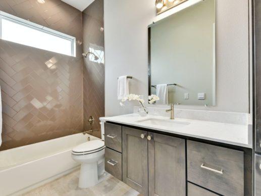 4106 Wayfarer Way Bathroom
